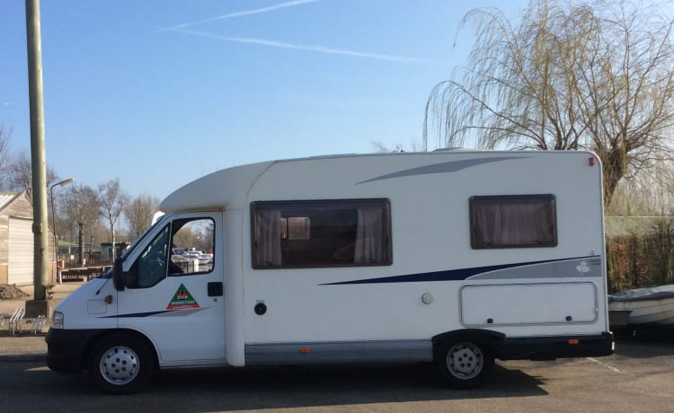 Nice camper for a wonderful holiday with 2 people
