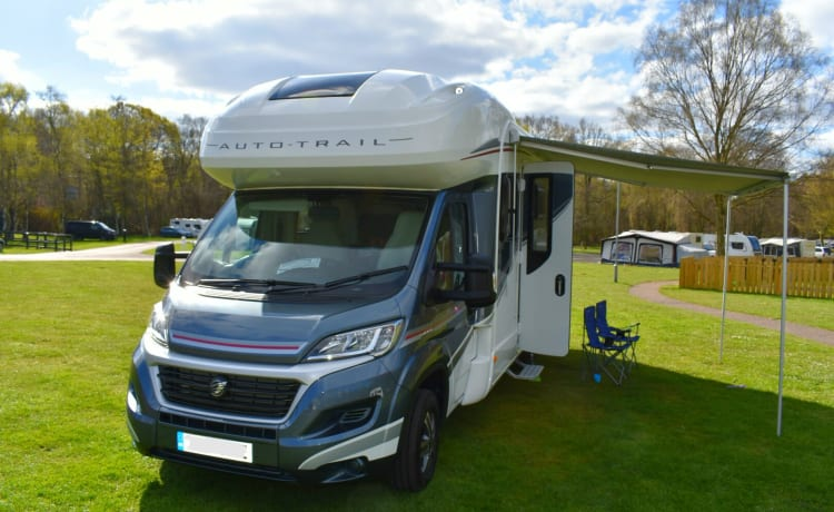 Fully Insured 2019 Luxury Family Motorhome - Ideal For Families - 6 Berth