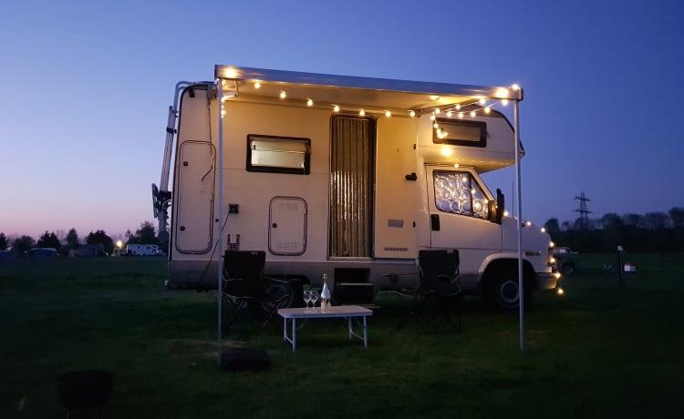 Buddy – Heerlijke complete camper!