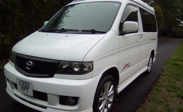 Mazda Bongo - noleggio di benzina a noleggio