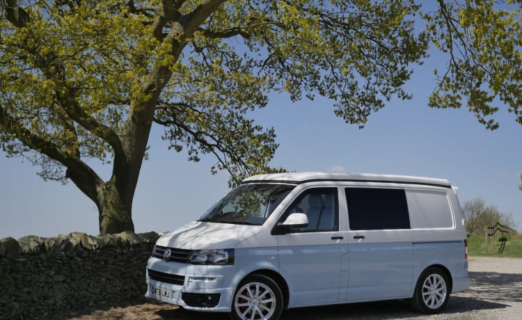 Chyllis – Say hello to Chyllis - Outstanding recently converted Volkswagen T5 Camper