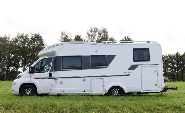 Adria Matrix Plus 670 SL – completely luxury equipped Adria motorhome from 2018!