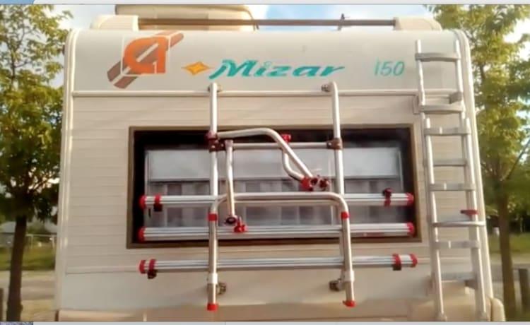 Camper Mizar 150 50 km van de Ligurische Rivièra