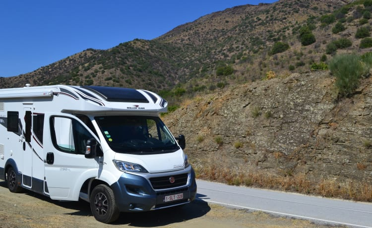 Family motorhome is waiting for family to discover Europe together