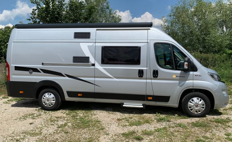 BEL005 – McLouis Menfys Van 4 - New model 2019 - Manual - BEL005