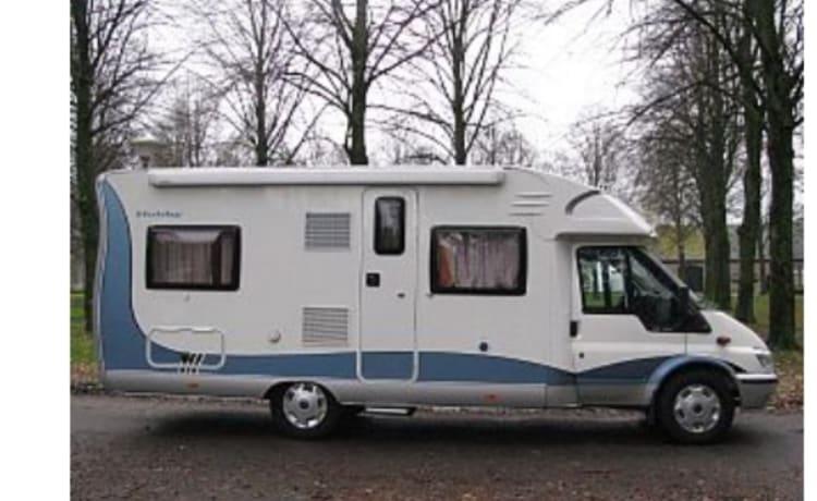 Fijne Hobby , semi-integraal camper ,Gezellig, schoon en goed onderhouden