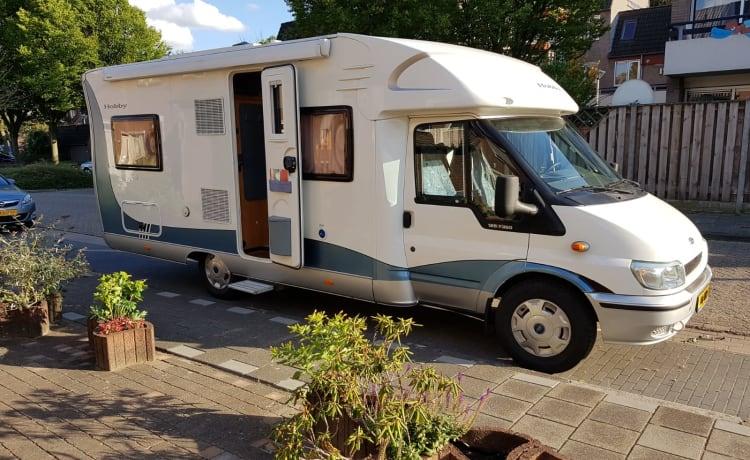 Fine Hobby, camper semi-integrato, accogliente, pulito e ben tenuto