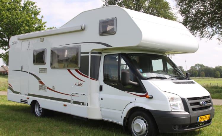 Carado A366 – Large Family camper Carado A366 for 7 people !!