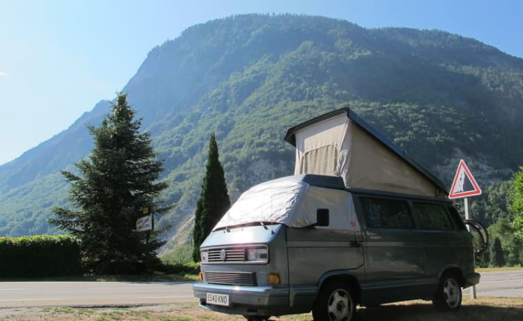 VW T25 Westfalia 'Multivan' 4 berth campervan 'Lenny'