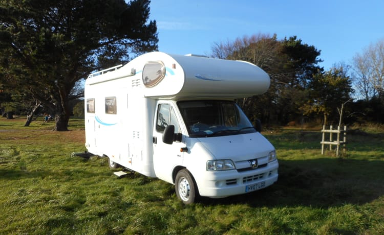 Easy 1  motorhome hire, just turn up and go!