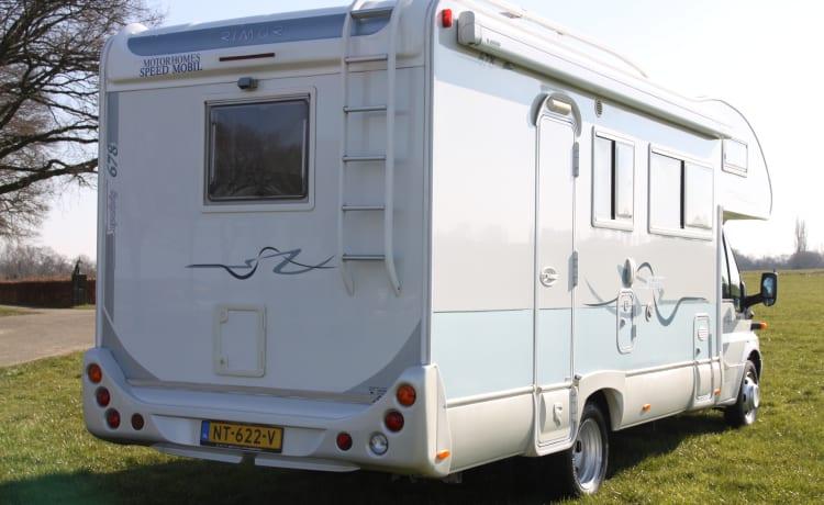 Super Brig 678 - Nice family camper for 7 people!