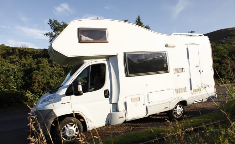 Greg's Coachbuilt Motorhome – Ci Carioca 625 - 5 Berth Family Motorhome