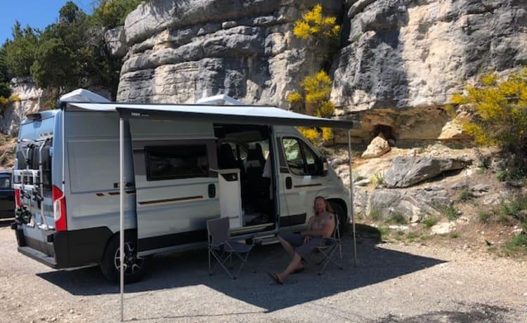 Benivan 119 Prestige - 130 pk – Adventure Van