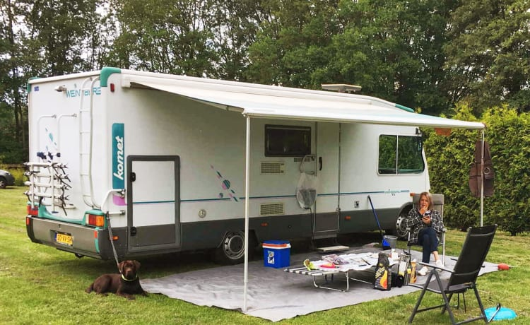 108 Weinsberg  – Spacious 6 person family camper with fold-down bed! Delivery is possible!