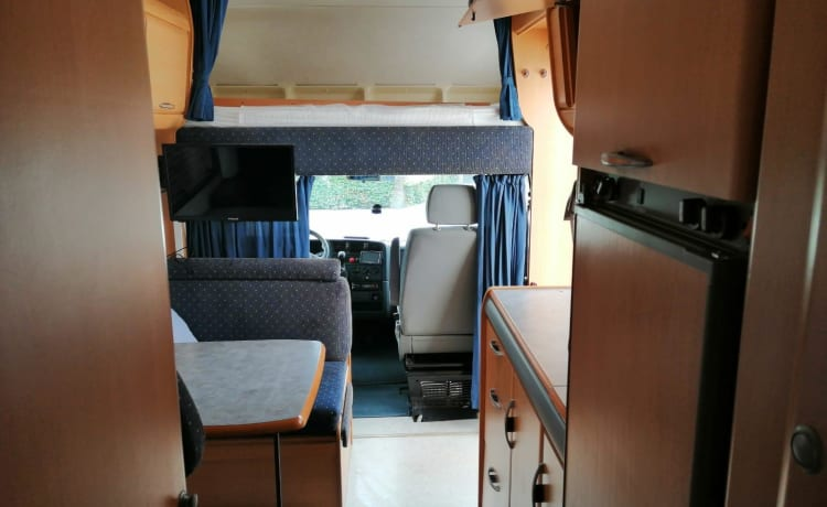 Super complete 6 person HYMER / FIAT camper