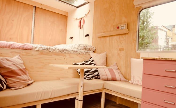 Slow Down Camper – The SlowDown Camper: una camera d'albergo per 3 persone su ruote!