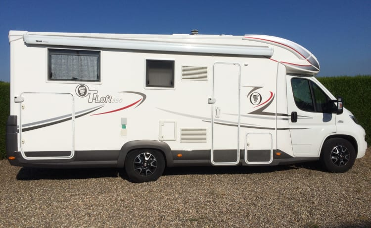 MOBI – Beautiful, spacious, recent, perfectly maintained motor home for 2 people