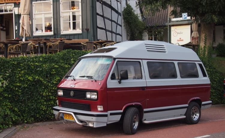 original volkswagen T3 dehler with complete camping equipment.