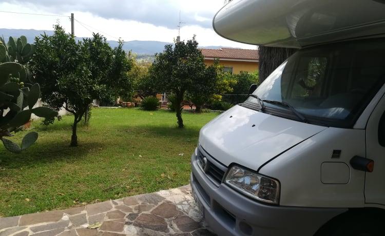 Knaus sulla Costa degli  Dei – Coachbuilt motorhome rental complete with accessories
