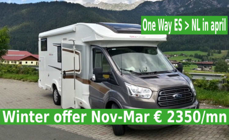 Young Semi-integral, 5P, from Nov to March € 2350 / month, one way possible