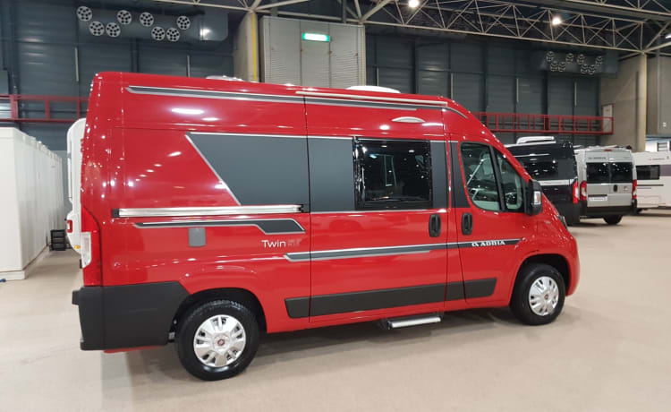 540 compact – COMPACT (540) AND LIGHT MODERN ADRIA TWIN BUS CAMPER OF 2019