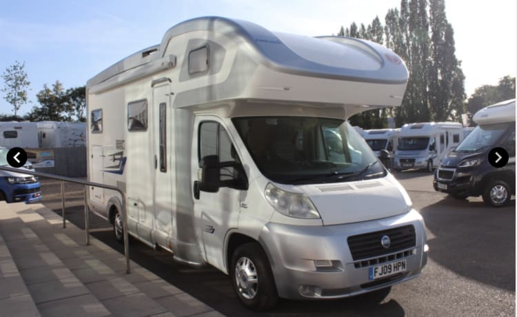 Spacious Family Motorhome (Insurance included in daily rate)