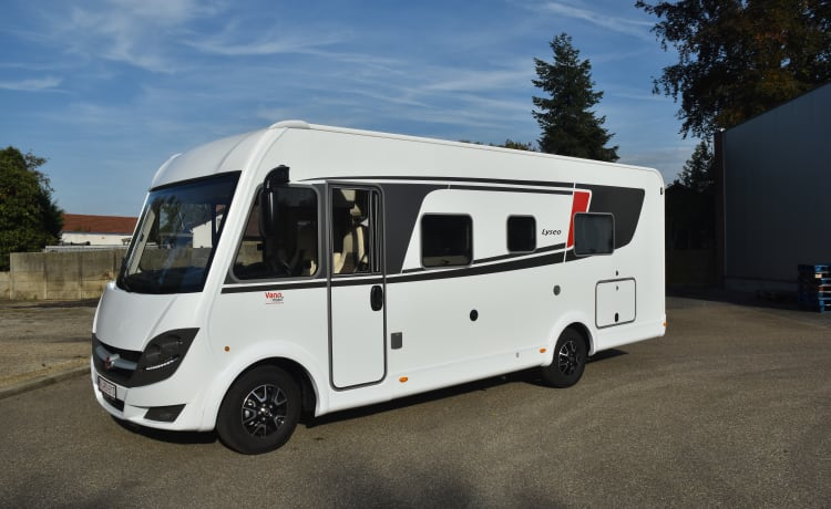 Büsty – Super equipped 4 person's integral motorhome.