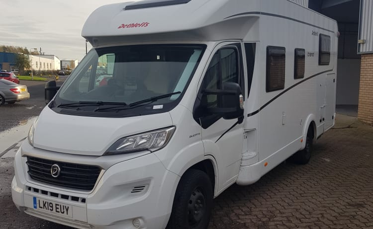 DBM Auto – Luxury 4 berth 2019 Motorhome