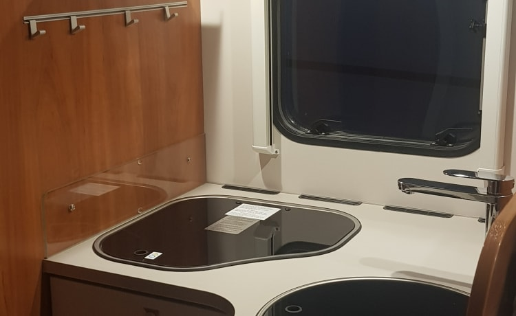 EB Auto – Luxury 4 berth 2019 Motorhome