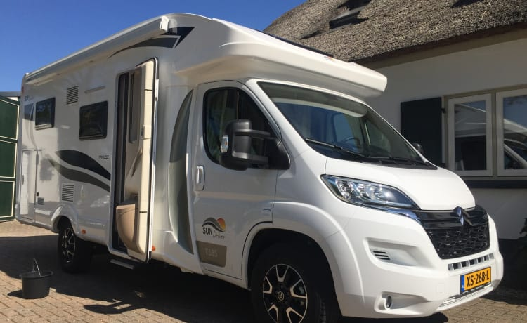 T585 – New brand new SUNDRIVER motorhome (max. 5 people) semi-integrated