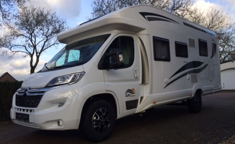 T595 – New SUNDRIVER semi-integrated motorhome (max. 5 people)