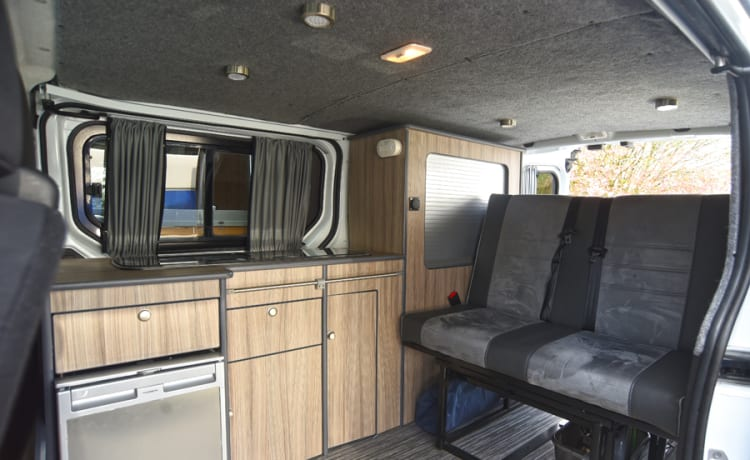 Kit – Dun-Lucy – VW T5 – Sleeps 2 – Travels 4