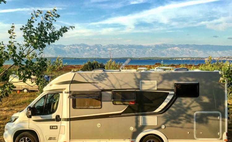 Dixie – Maak kennis met Dixie - onze heerlijk comfortabele camper