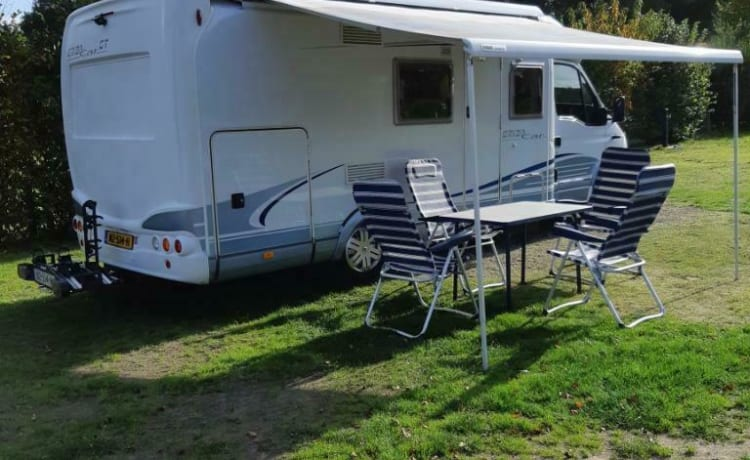 Zeer complete luxe Hymer/Eriba camper Kilometervrij