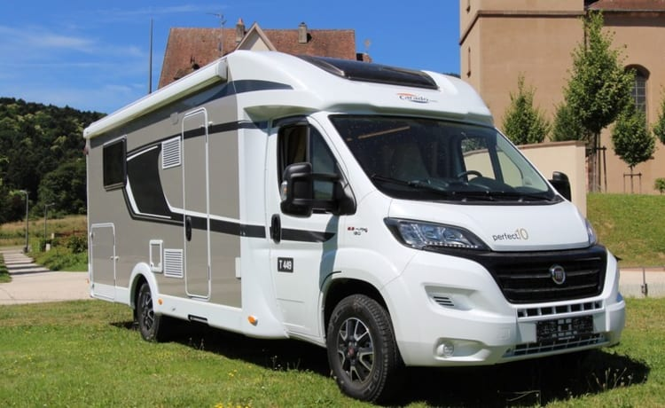 ☀️ SUMMER HOLIDAY? ☀️ LUXURY & NEW CARADO (HYMER) T449 CAMPER