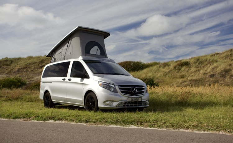 Vito Van – Luxe Mercedes Vito Automaat, standkachel, 4 slaapplaatsen, sterke motor