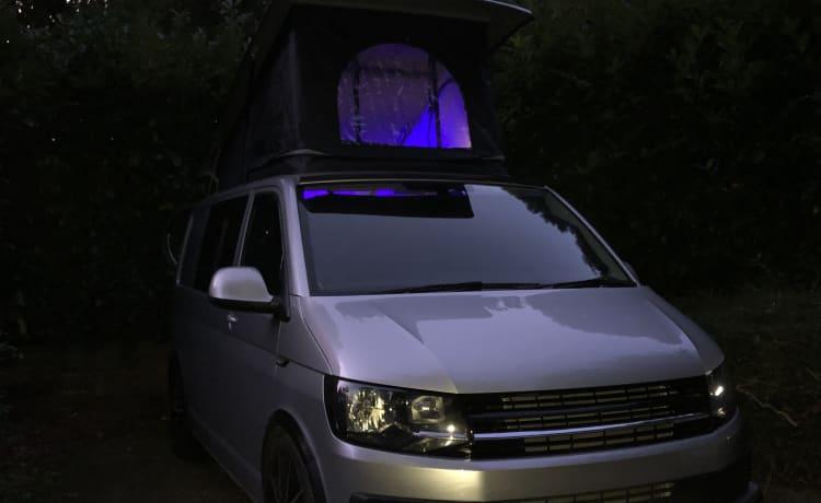 VW Transporter Highline conversion – Volkswagen transporter T6 Highline camper