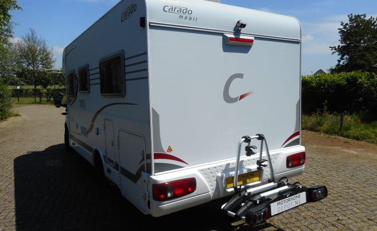 caradootje – Fast motorhome with 2 sleeping places and air-conditioning bicycles for e-bike