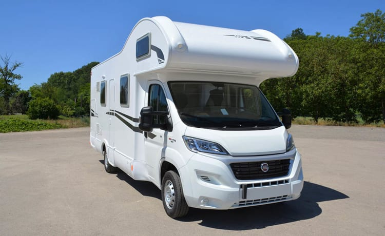 4 Fixed beds 7 Pers. Spacious Rimor 2018. Autom. Smooth -150 hp Rijb-B