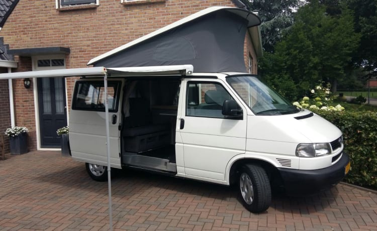 Volkswagen T4 Camperbus with 4 seats and sleeping places (hire purchase negotiable)