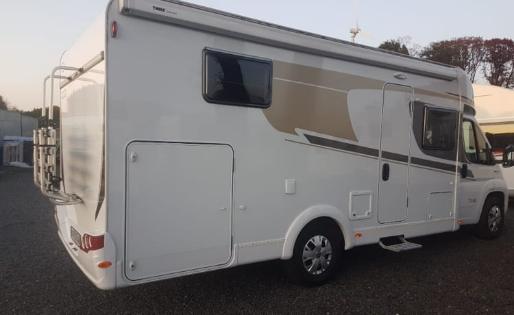 Leef je droom – LUXURY & NEW CARADO T448 CAMPER WITH SOME BEDS