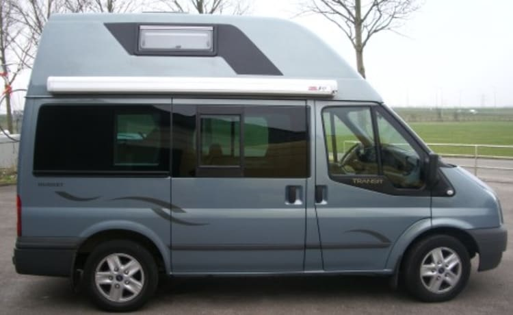 compacte camper Ford NUGGET – Make a nice Road Trip through the Netherlands. FORD NUGGET with airco 4 pers