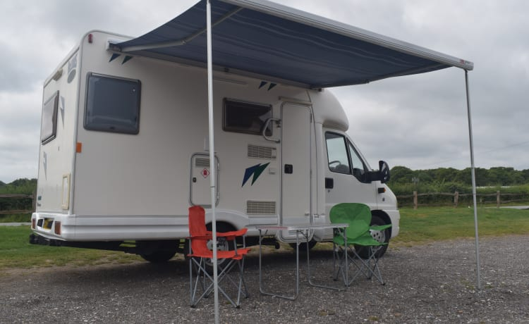 Fantastic 3 Berth easy to drive Motorhome, all mod cons, great on fuel
