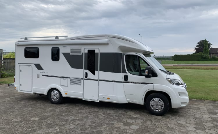 Adria matrix 670 SL model 2019 (4-5 pers / complete. For vacation)