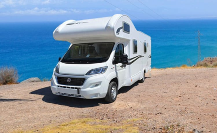 4 Fixed beds Spacious Rimor 2018. 7 Pers. Auto Smooth -150 hp Rijb-B