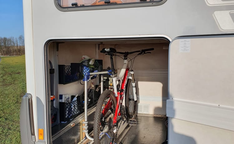 luxury hymer B514 incl scooter in XXL garage