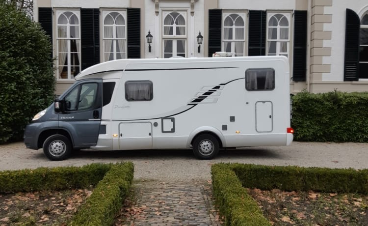 Mieten Sie unser schönes Hymer Tramp Premium 50 Wohnmobil