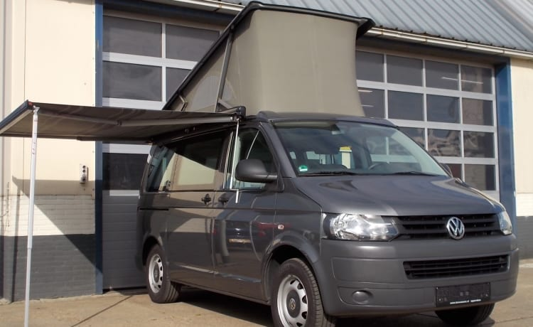 VW T5 California, 4 person sleeping places, 4 seats