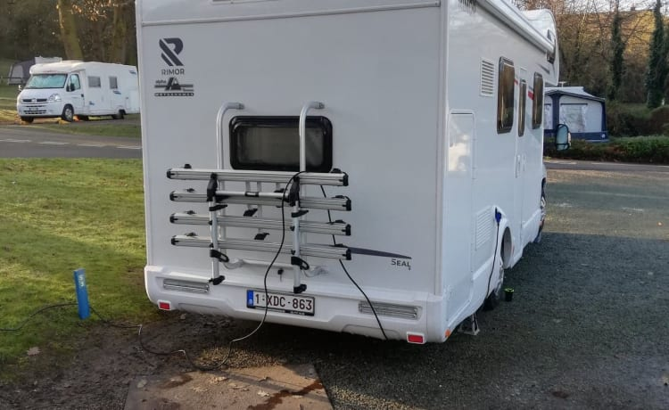 New spacious family camper. Up to 7 people. Year of construction 06-2019