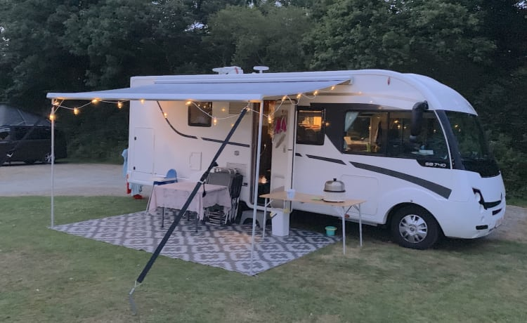 Robbus – our fantastic family integral camper with every comfort.